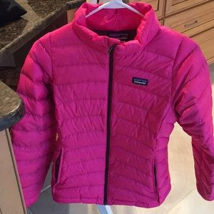 Pink Patagonia light puff jacket.